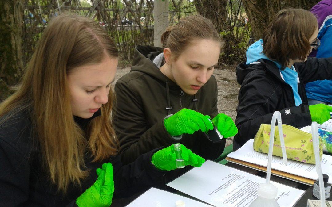 Pouk izven učilnic – naravoslovje na Gimnaziji Poljane